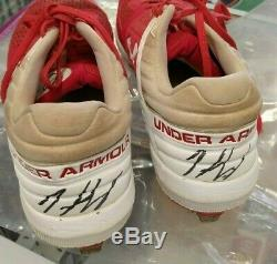 2019 Onyx Authenticated Premier Gear Singed Game Used Cleats Ivan Herrera