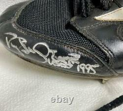 Darryl Strawberry Signed Game Used 1995 NY Yankees Cleats with Certificate