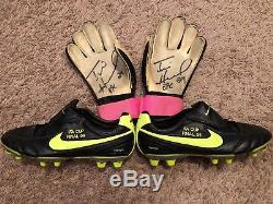 Game Used Worn Soccer Cleats And Goalie Gloves Worn By Tim Howard MLS Jersey usa