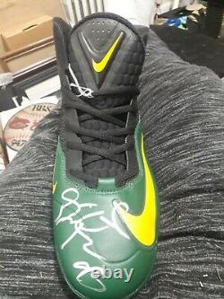 Gilbert Brown GREEN BAY PACKERS Nike Signed Game Used / Issued Cleat JSA COA