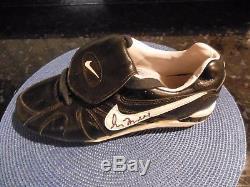 Greg Maddux Autograph Nike Game Used Baseball Cleat Shoe Size 9.5