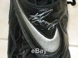 Ken Griffey Jr. Autographed 1998 Game Used Nike Cleats Seattle Mariners Jsa Hof