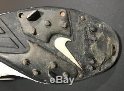 Mariano Rivera Signed Game Used Cleat Steiner Sports LOA HOF 19 Unanimous 2005