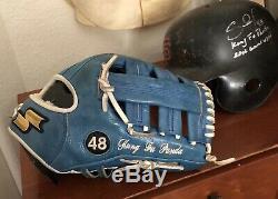 PABLO SANDOVAL Game Used Autod Fielders Glove