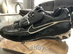 Tony Gwynn Game Used Autographed Nike Cleats withCOA signed by wife Alicia Gwynn