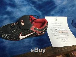 Torii Hunter Game Used Signed Cleat With COA