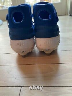 Wilson Contreas Autogtaphed Game Used Cleats. Chicago Cubs